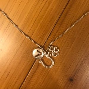 Fossil Lucky necklace
